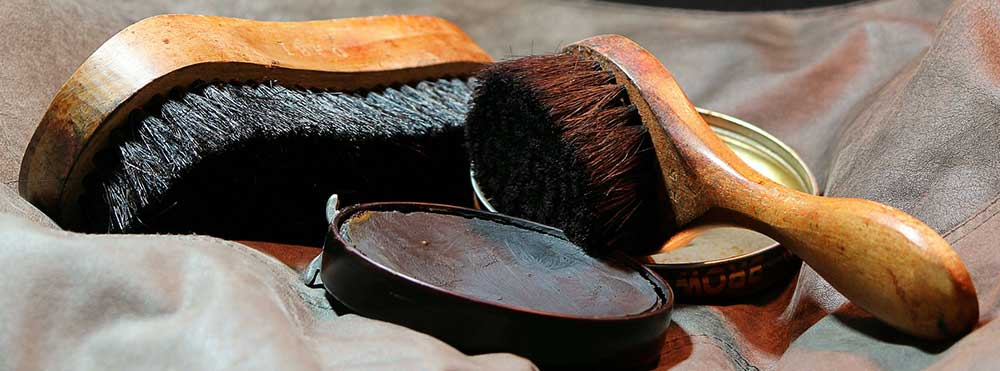 Leather boot shoes polish