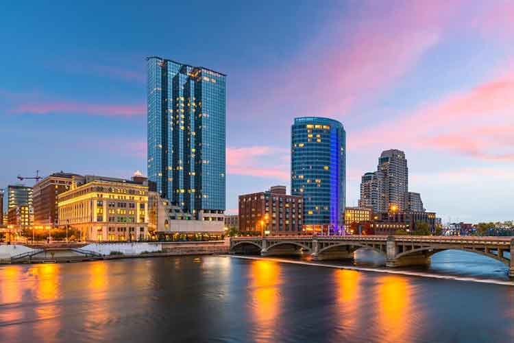 grand rapids places to go